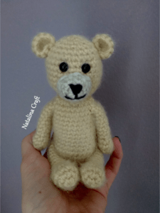 How to crochet a small bear