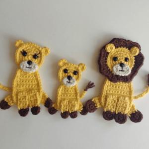 crochet lion appliques
