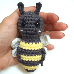 crochet honey bee