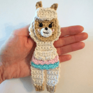crochet pattern llama applique